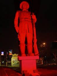 estatuaBorbaGato2